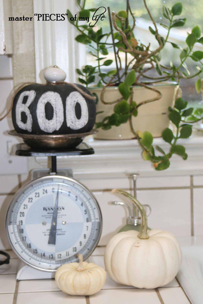 Halloween touches1